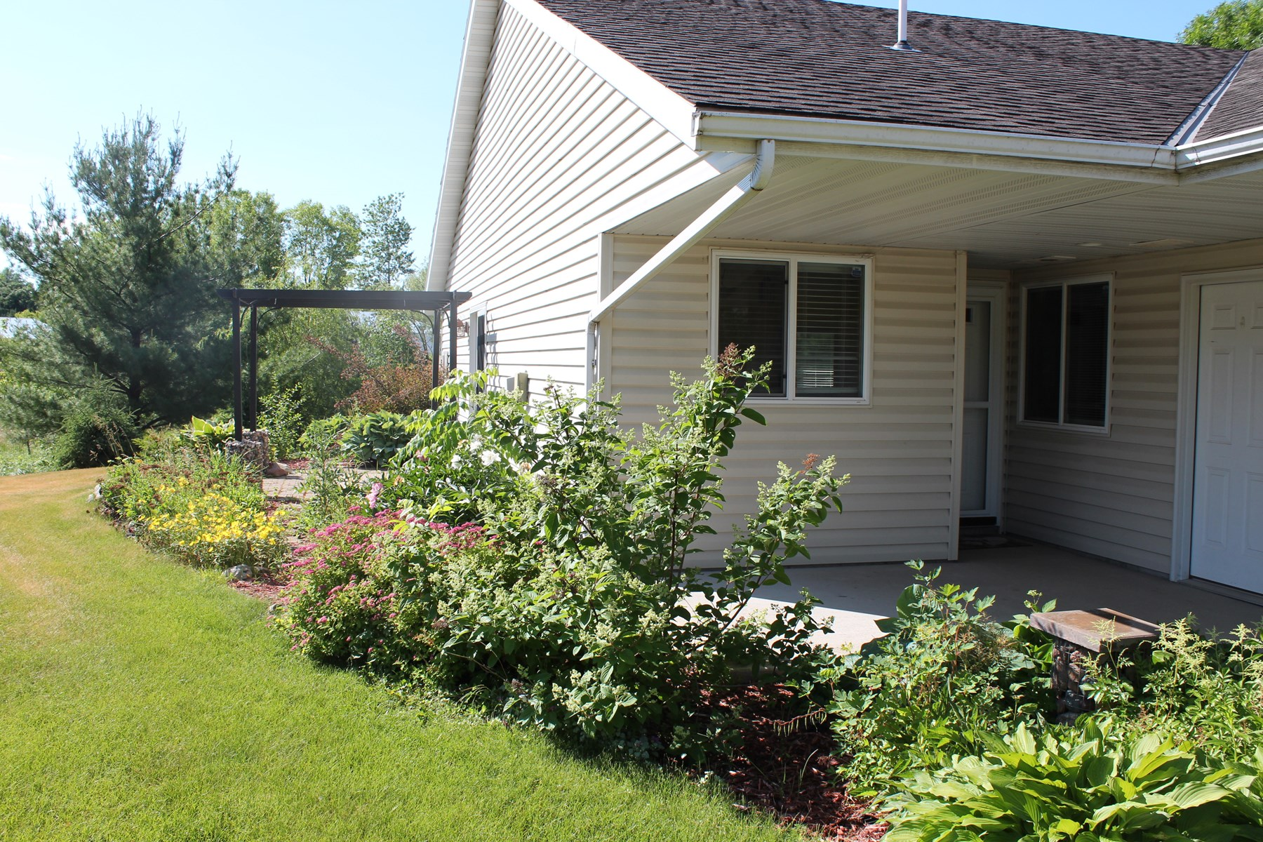 2BR/2BA Twin Home For Sale in Milaca