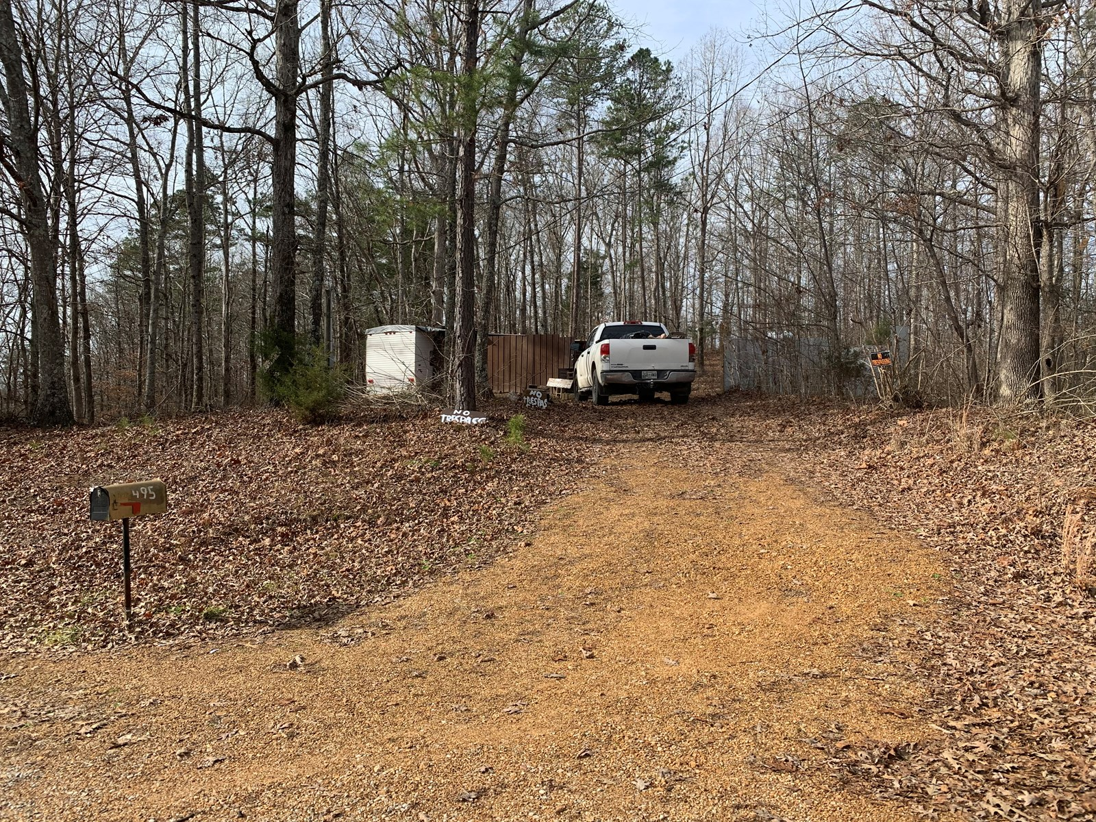 PRIVATE WOODED LAND FOR SALE IN TENNESSEE WITH CAMPER