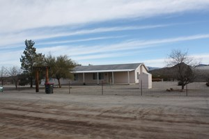 SALOME, AZ COUNTRY  HOME WITH GARAGE ON 9.8 ACRES HORSES OK