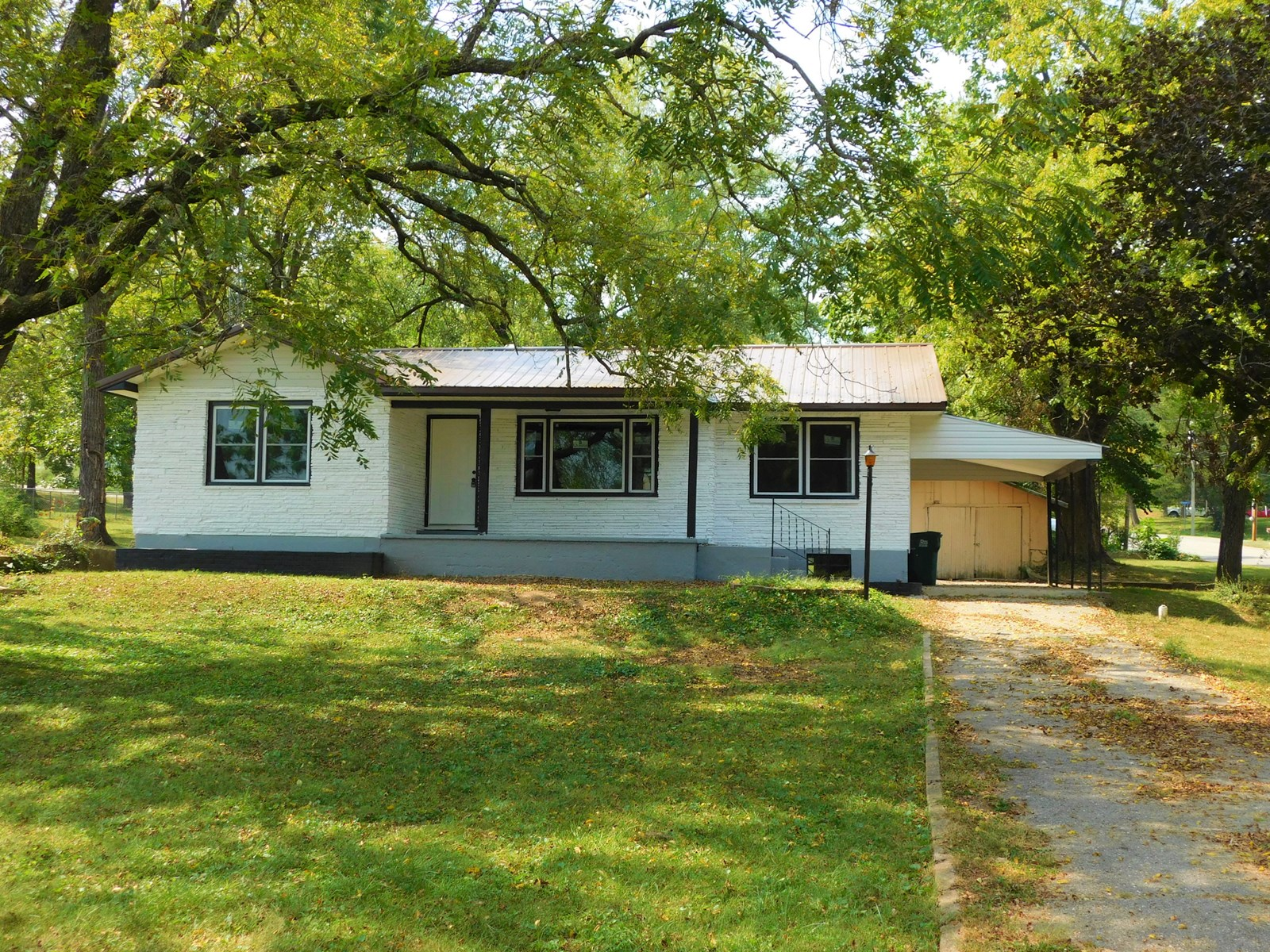 Newly Remodeled Home For Sale in Cabool, Mo