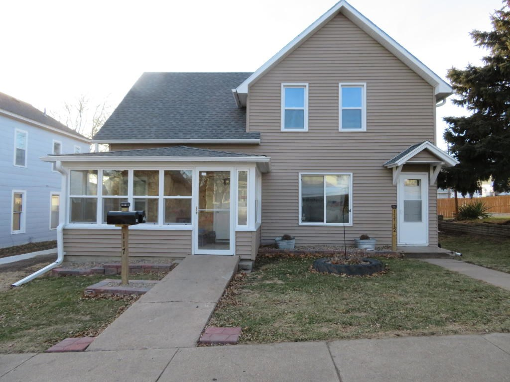 TOTALLY REMODELED 1 1/2 STORY HOME FOR SALE MO. VALLEY  IOWA