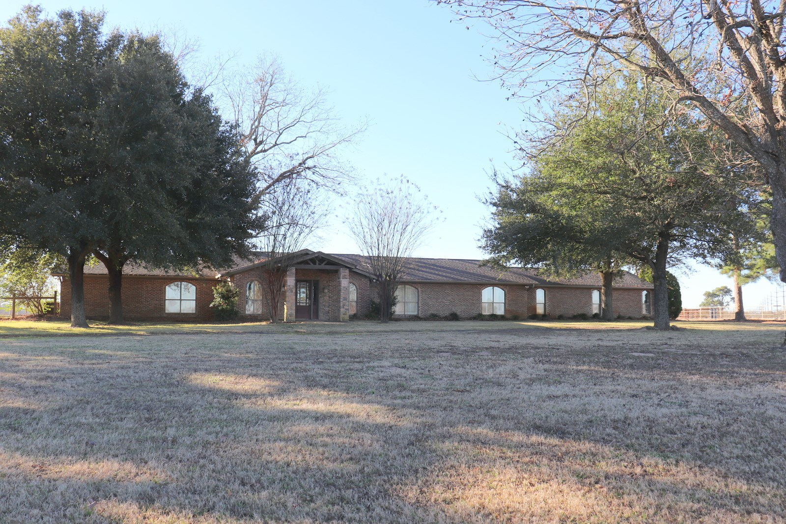EQUINE - HORSE - COUNTRY HOME - 27 ACRES - EAST TEXAS
