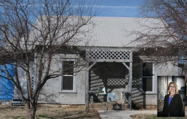 Residential Home in Waynoka, OK with extra Lot for Sale