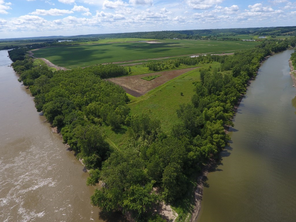 57+/- Ac, Unique Riverfront Property with Income from CRP