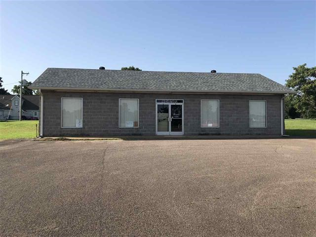 COMMERCIAL BUILDING ON HIGHWAY FOR SALE IN TN