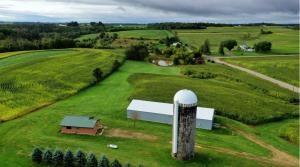 Driftless gem Hobby Farm/ Hunting land.