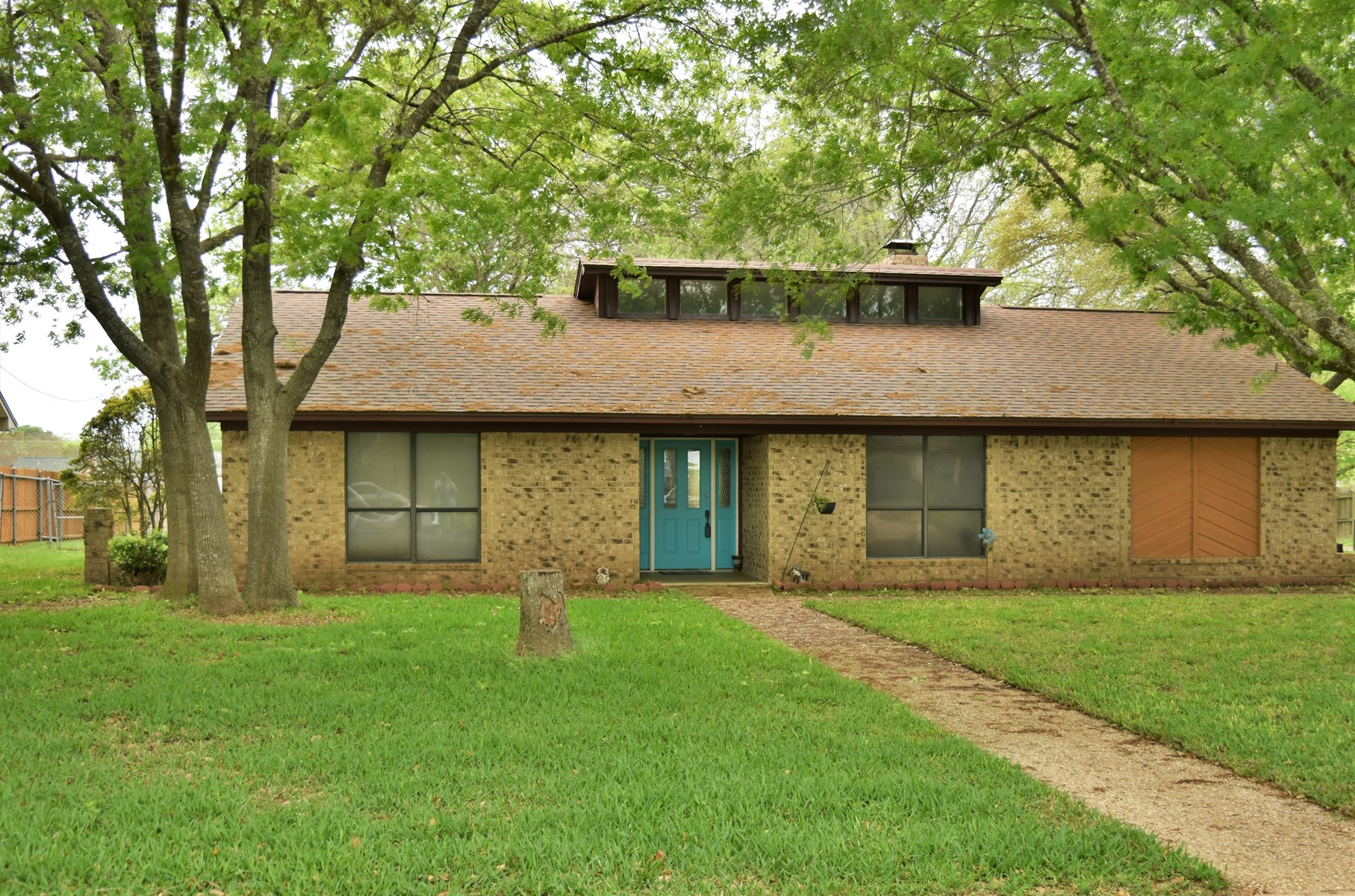Hewitt, Texas Home For Sale