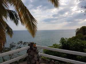 BEACH FRONT HOUSE FOR SALE AND RENT IN PLAYA CORONA PANAMA