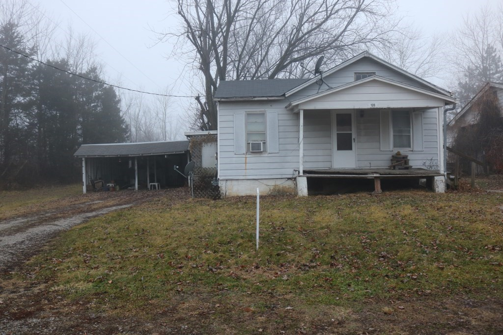 2 Bedroom, 1 Bath Fixer Upper in Jamestown, MO for Sale
