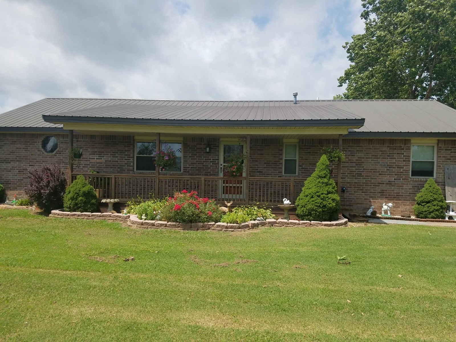 Country homewithbig shop on 8 acres minutes from Pryor, OK