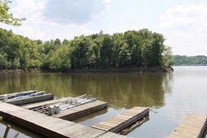 EXCLUSIVE LAKEFRONT LOT FOR SALE ON BARREN RIVER LAKE IN KY.