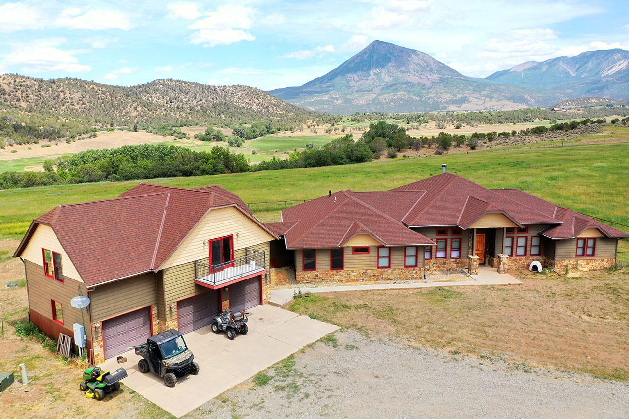 Colo Mountains Luxury Horse Ranch & Recreational Property