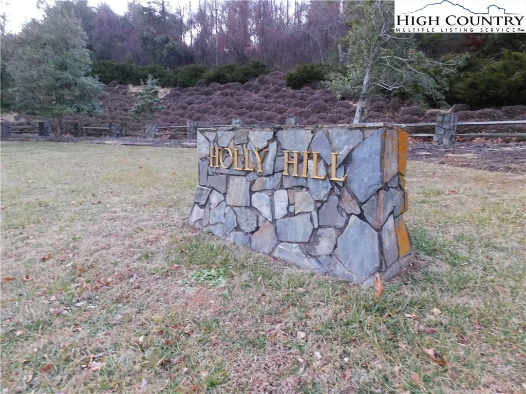 Beautiful Building Lot in Close to Town