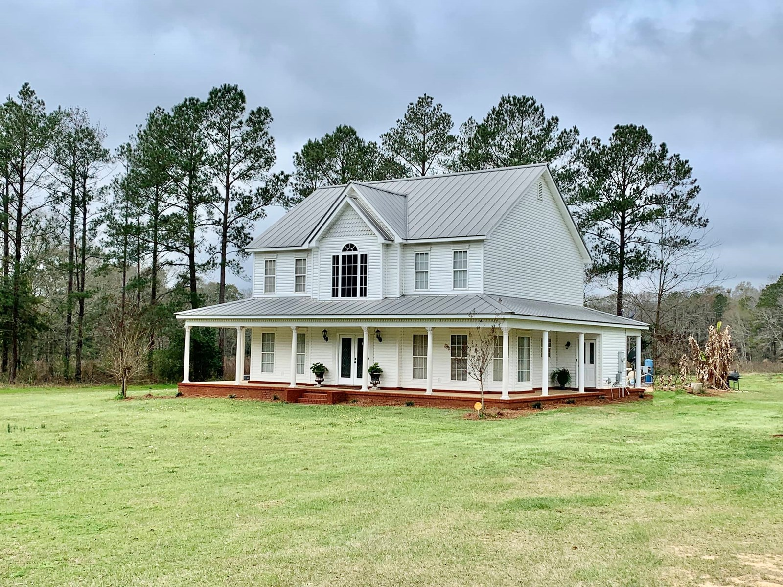 Home & 2 Acres For Sale - Hartford Alabama - Farmhouse