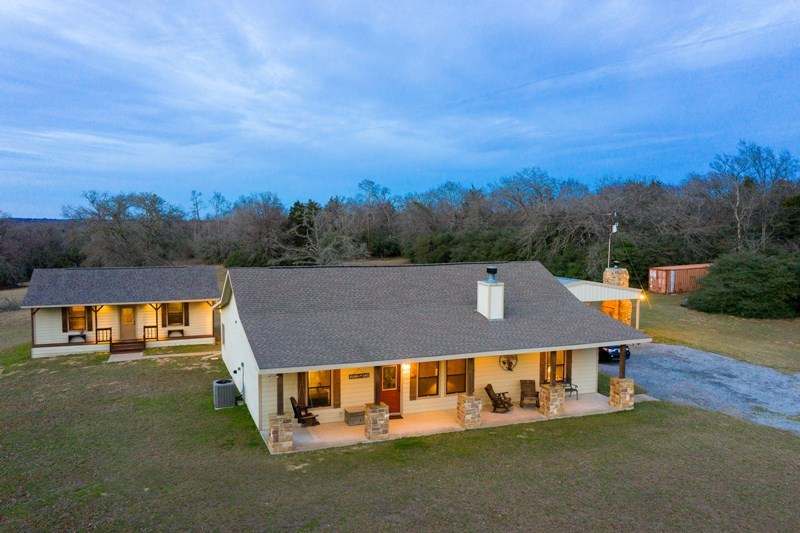 Pristine Country Home and Land For Sale - Buffalo, TX