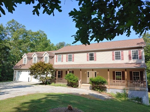 Secluded Country Home for Sale in Christiansburg VA!