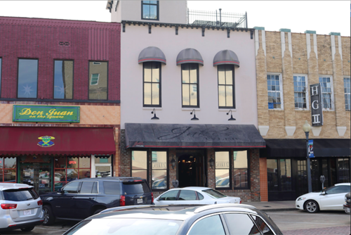 DOWNTOWN TYLER SQUARE HISTORIC BUILDING FOR SALE OR LEASE