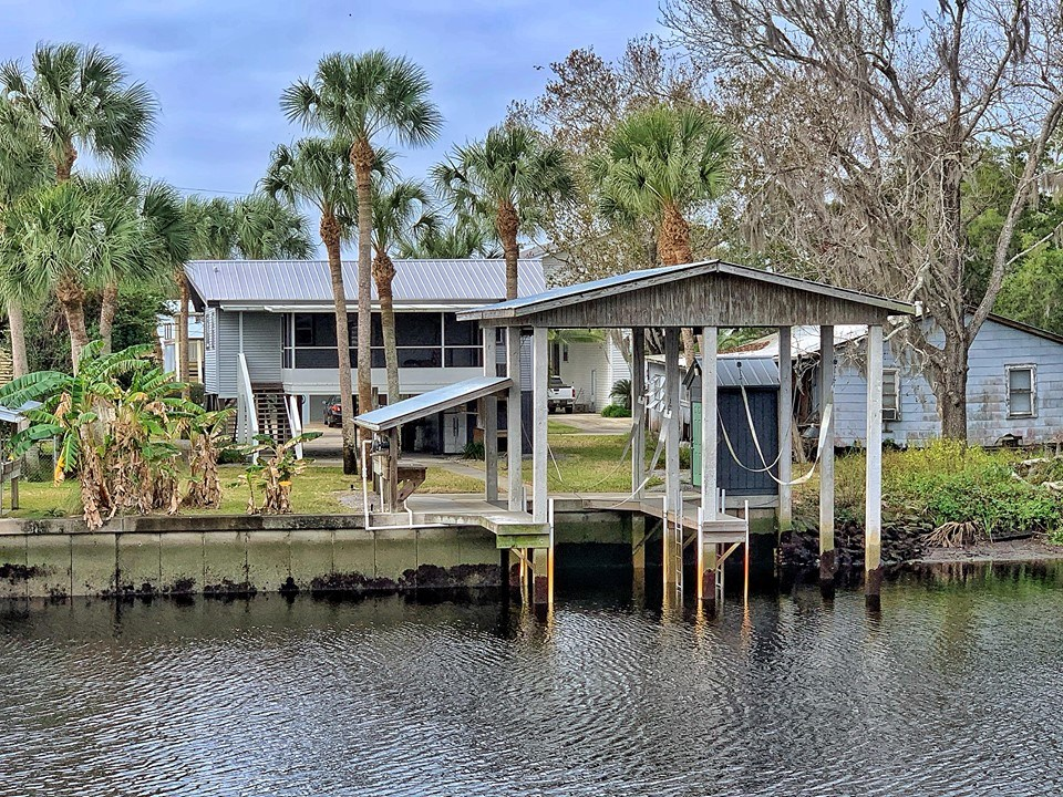 FOR SALE: SUWANNEE FLORIDA WATERFRONT HOME ON RIVER CANAL