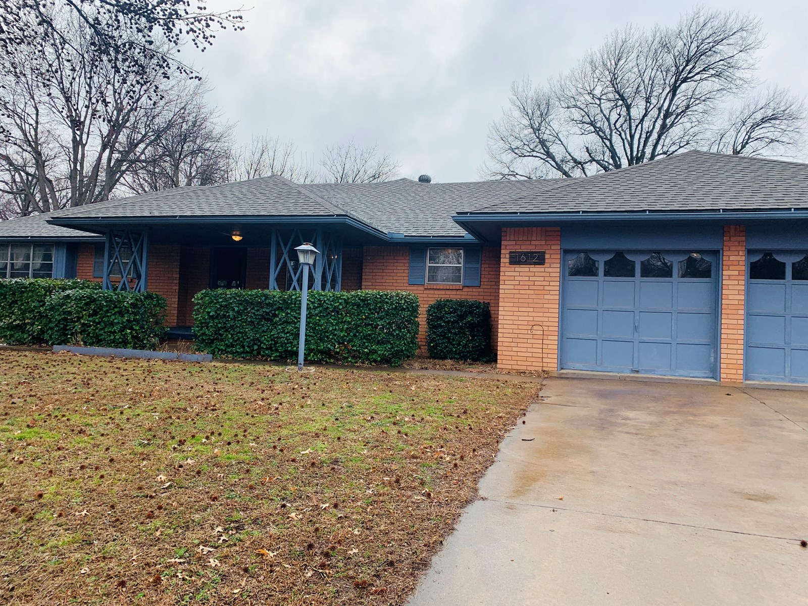 Ponca city, Woodlands School distric, Large Home For Sale