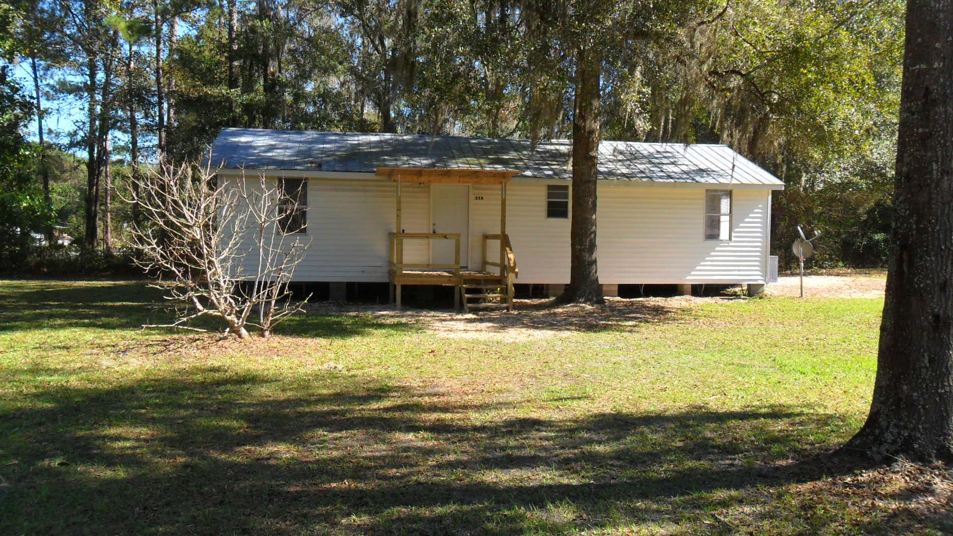 3BR/1BA ON 2.25 ACRES IN LAKE CITY, FL