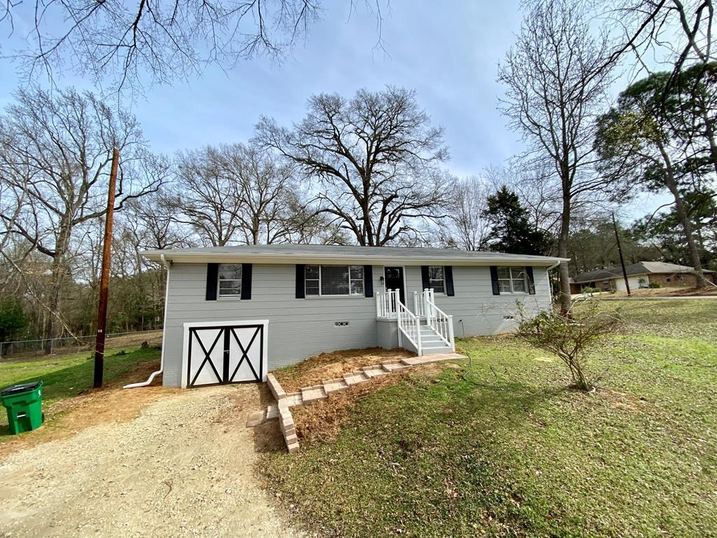 UPDATED HOUSE FOR SALE IN PALESTINE TEXAS
