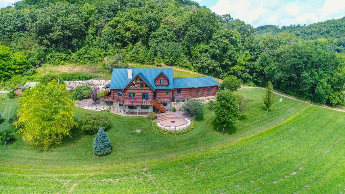 Custom-Built Luxurious Log Home with Views For Sale in Verno
