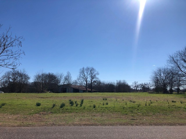Land for sale Hallsville ISD 2901 W Country Club Rd