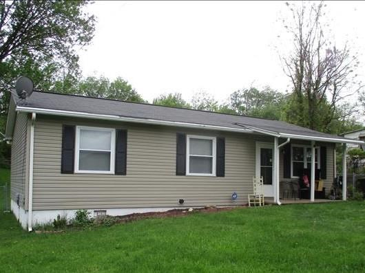 3 BR 1 BA Ranch Home Close to Town on Level Lot Tazewell VA