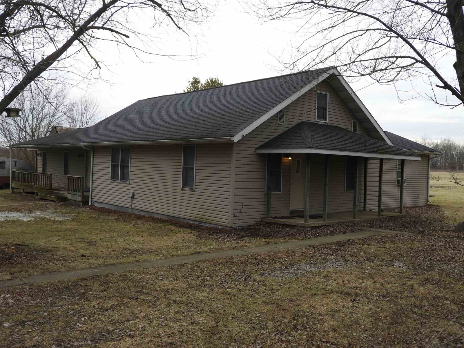 Country Home for Sale Muncie Indiana
