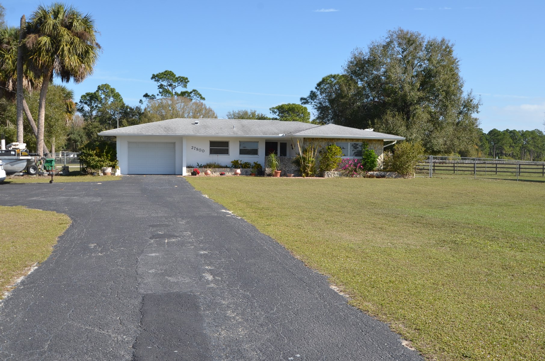 HOME ON 3.86 ACRES IN PUNTA GORDA, FL!