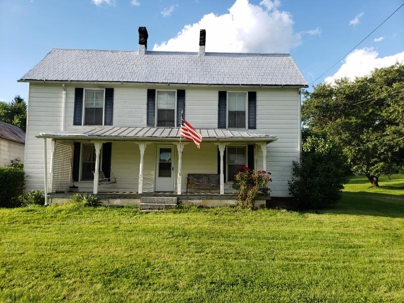 4 BR, 1 BA, Farm House For Sale In Rural Retreat VA