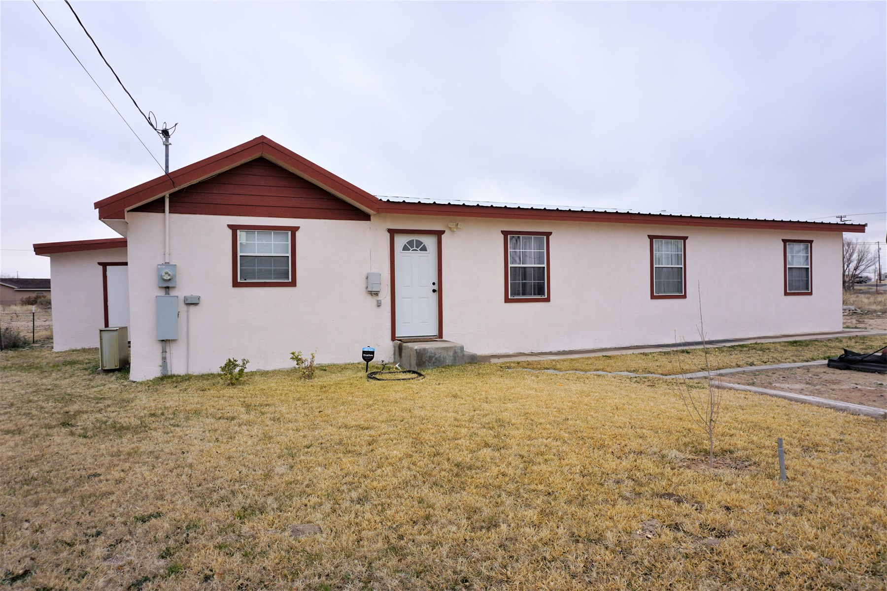 FOUR BEDROOM COUNTRY HOUSE FOR SALE IN FORT STOCKTON, TX