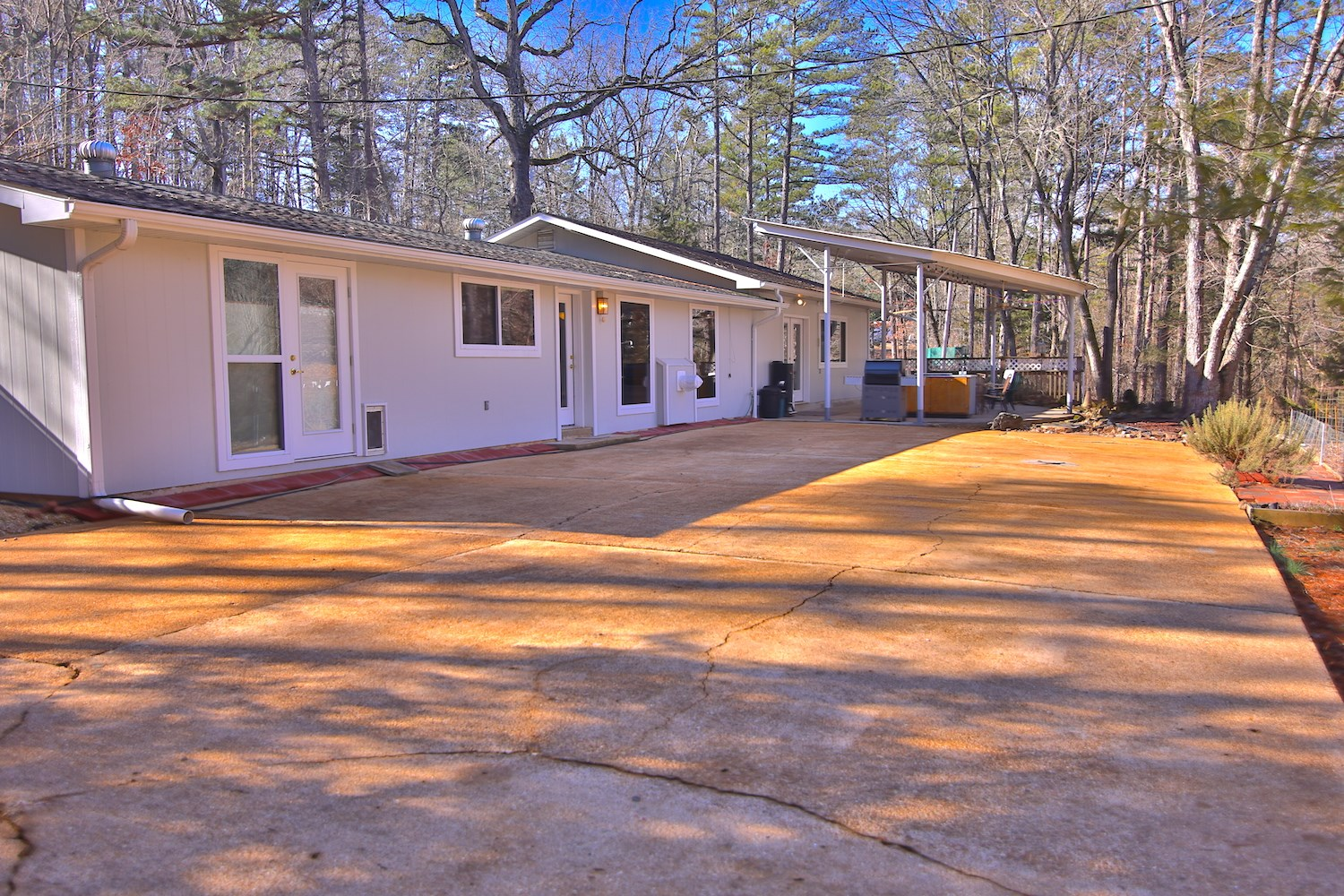 Home with shop for sale in the Ozarks
