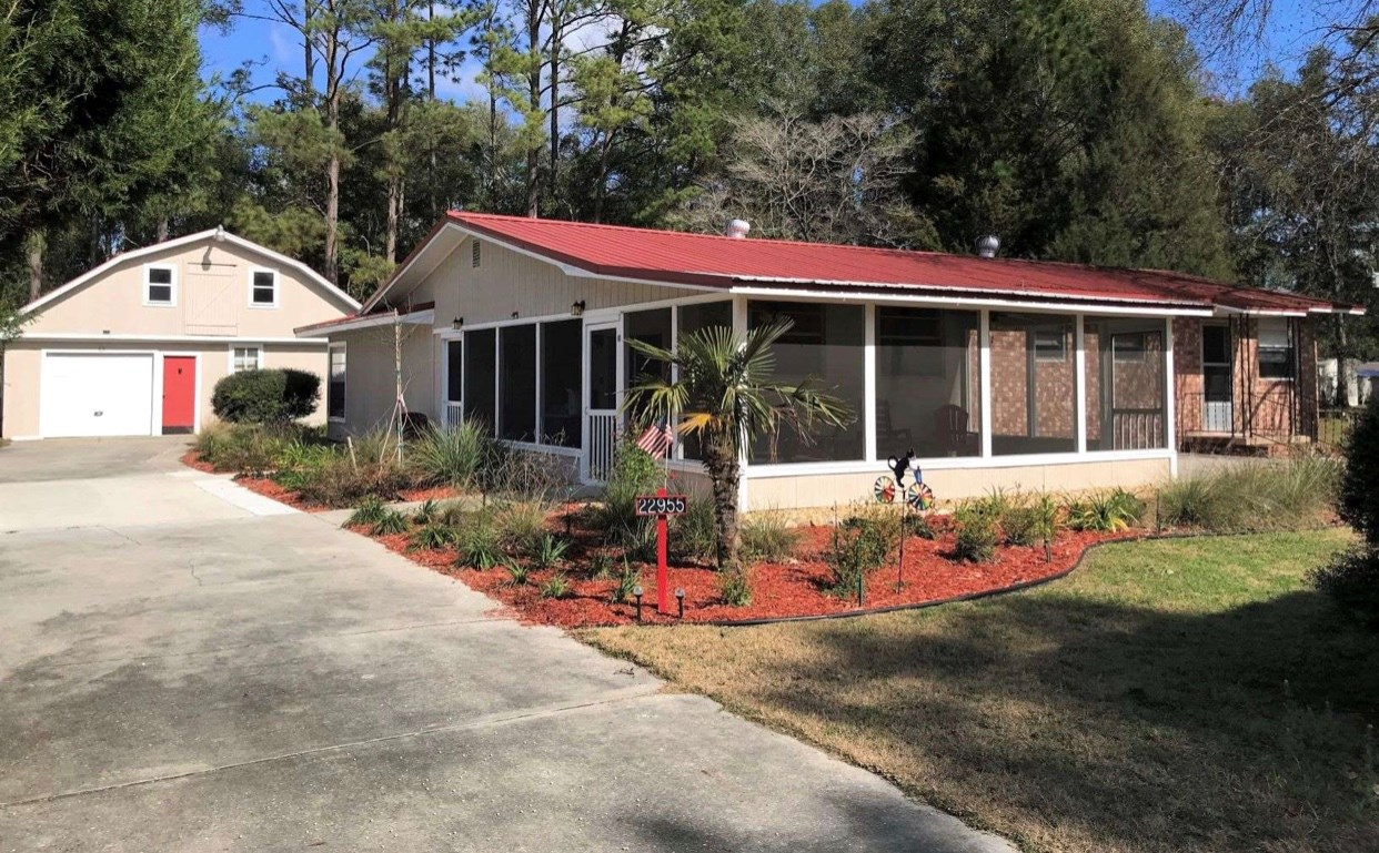 Beautifully remodeled home in Live Oak