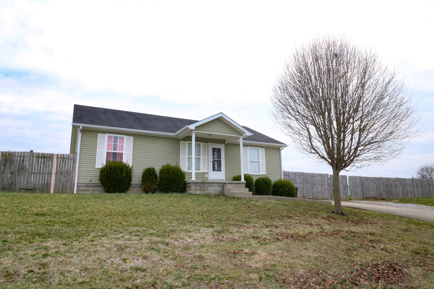 Home in town for sale in Stanford Kentucky