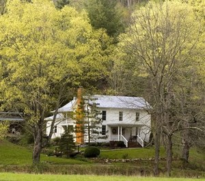 HISTORIC COUNTRY FARMHOUSE FOR SALE IN FLOYD VA