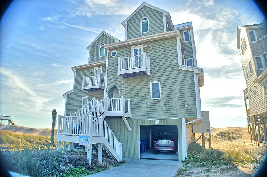 3BR Oceanfront Duplex for Sale on North Topsail Beach
