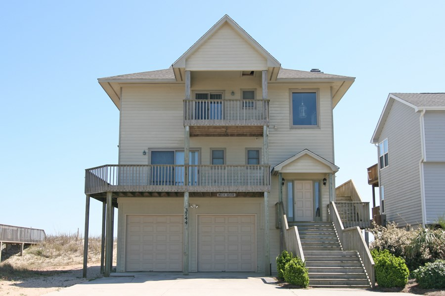 3BR Oceanfront Home for Sale on North Topsail Beach
