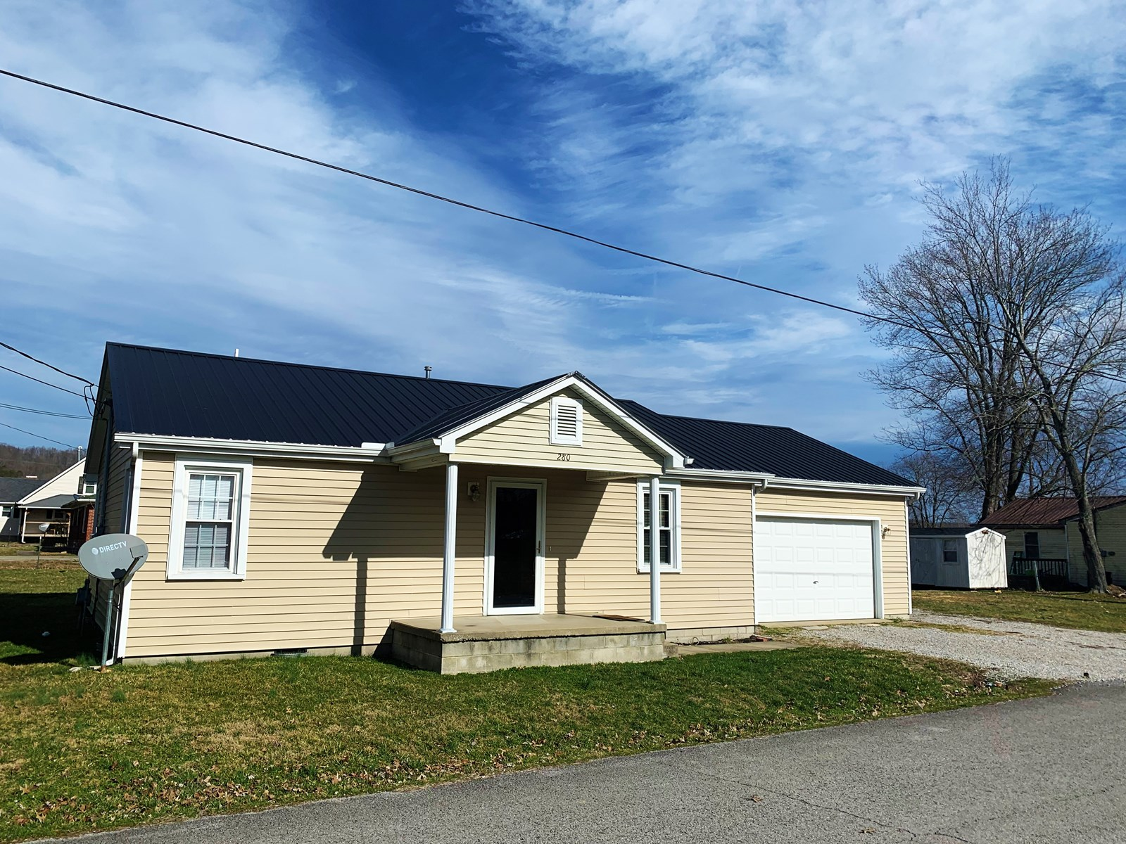 HOME IN TOWN-CITY UTILITIES-GREAT LOCATION-LIBERTY, KY.