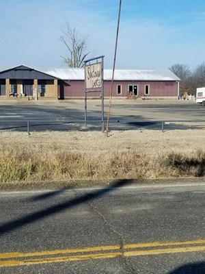 COMMERCIAL BUILDING ON 16 ACRES
