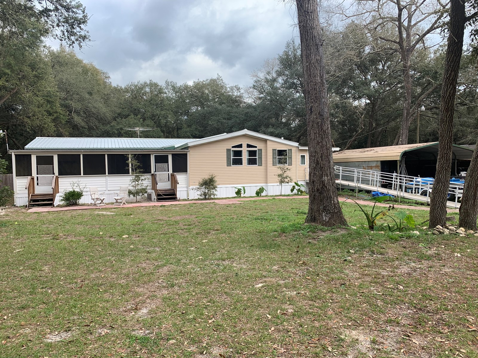 3/2 Triple wide Mobile Home in Fanning Springs, Florida
