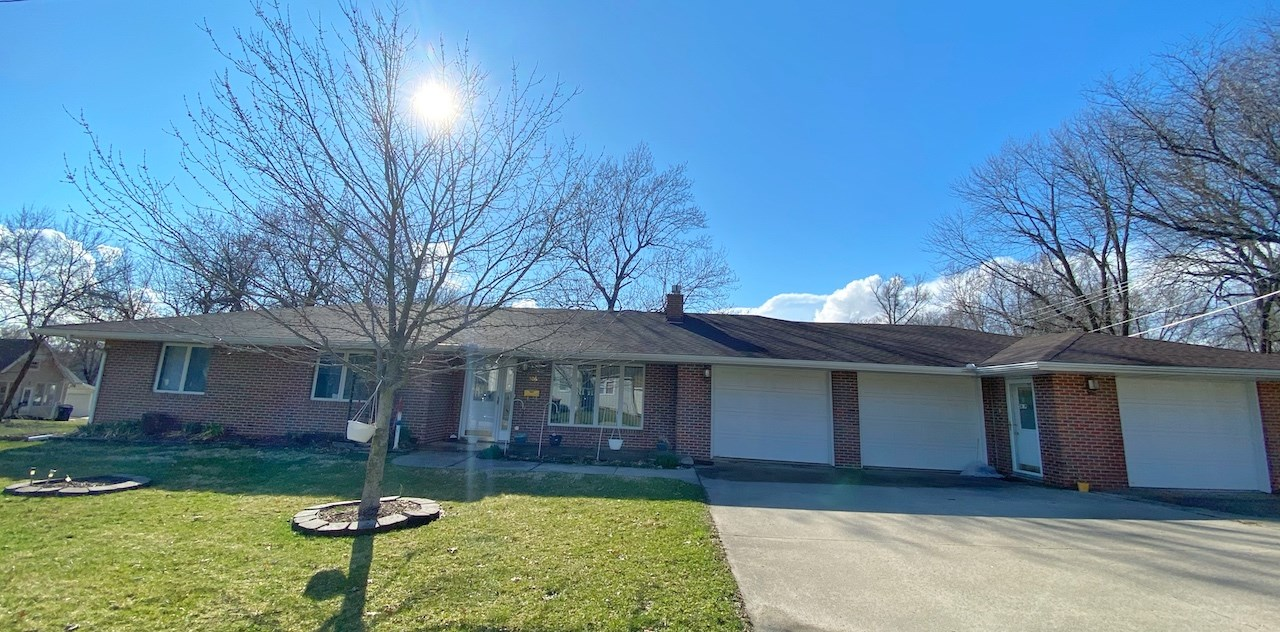 Brick One-Story Ranch Home For Sale in Mount Ayr Iowa