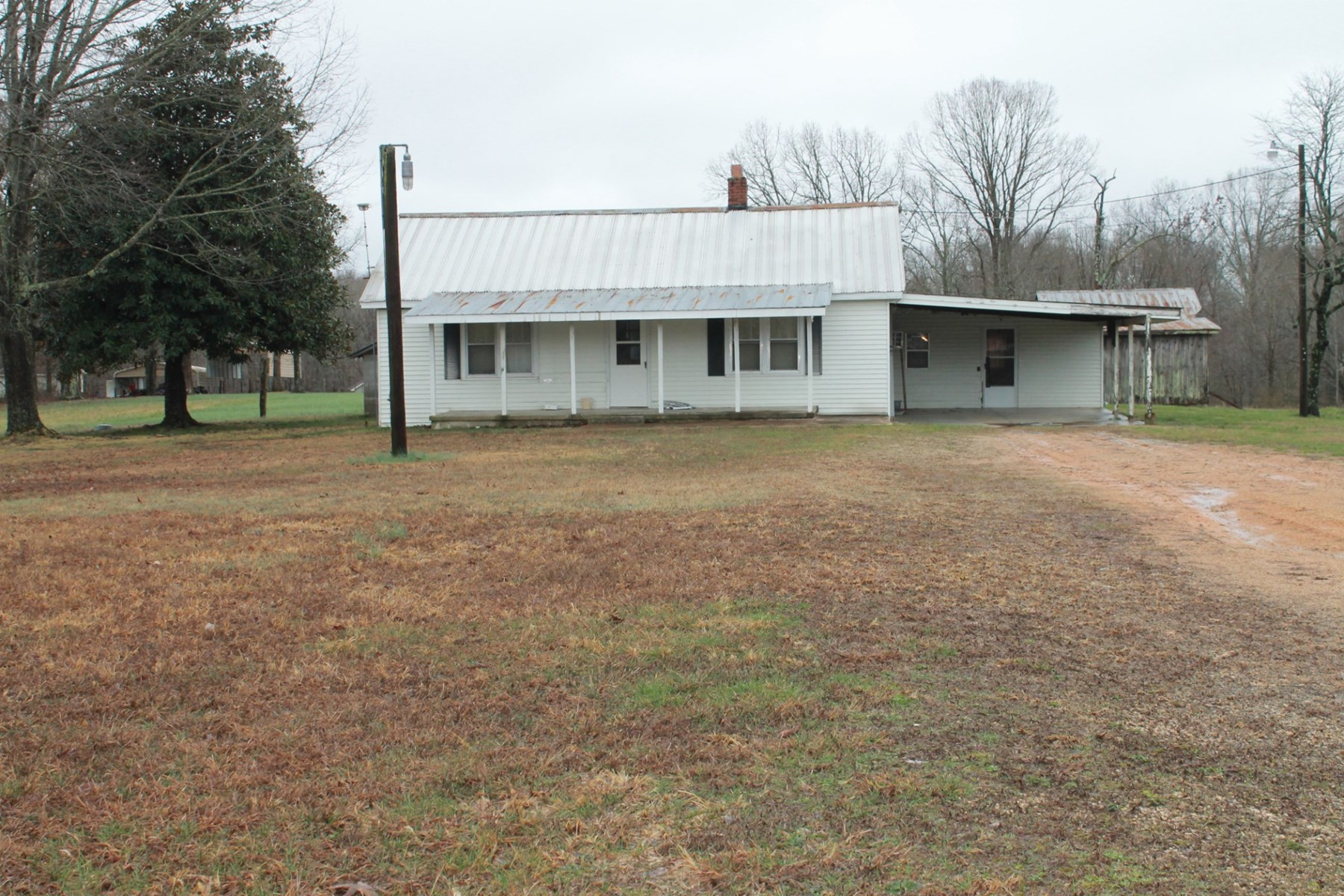 Farm House on 10+/- Acres for Sale in Hohenwald Tennessee