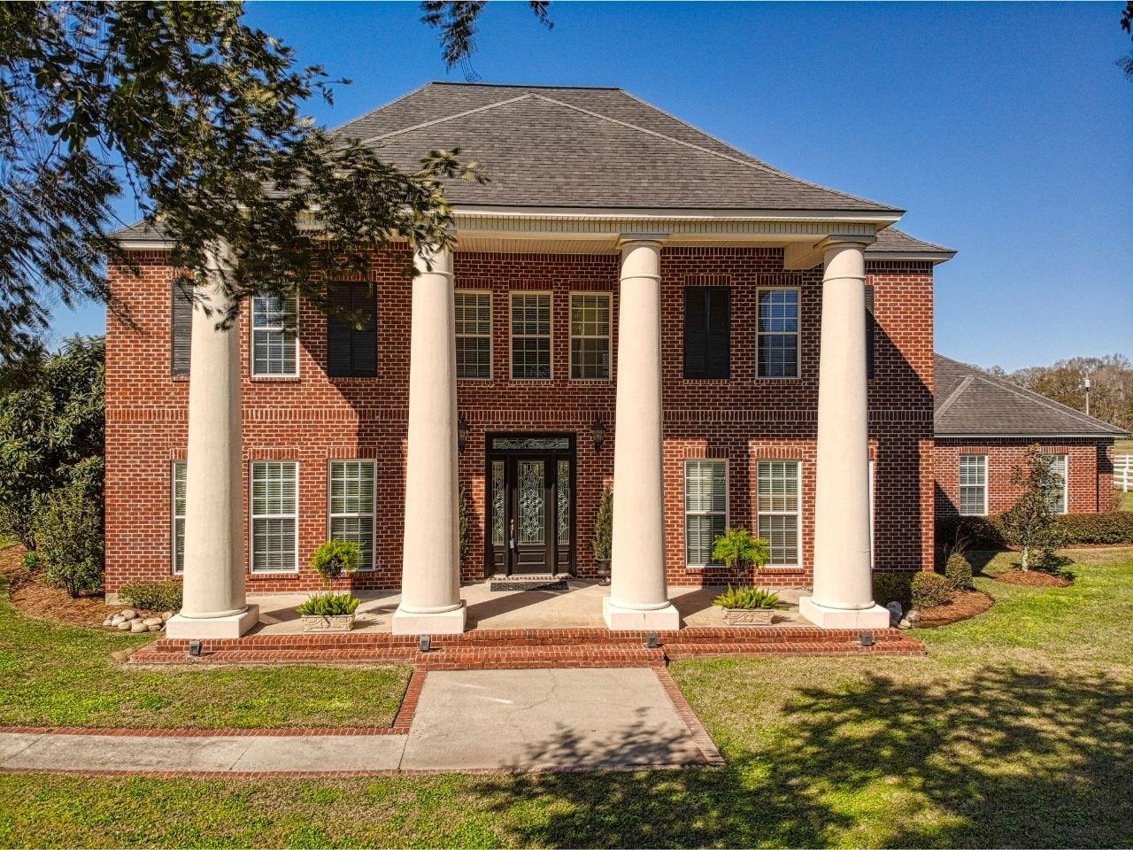 Country Estate on 18 Acres East Baton Rouge Parish, LA