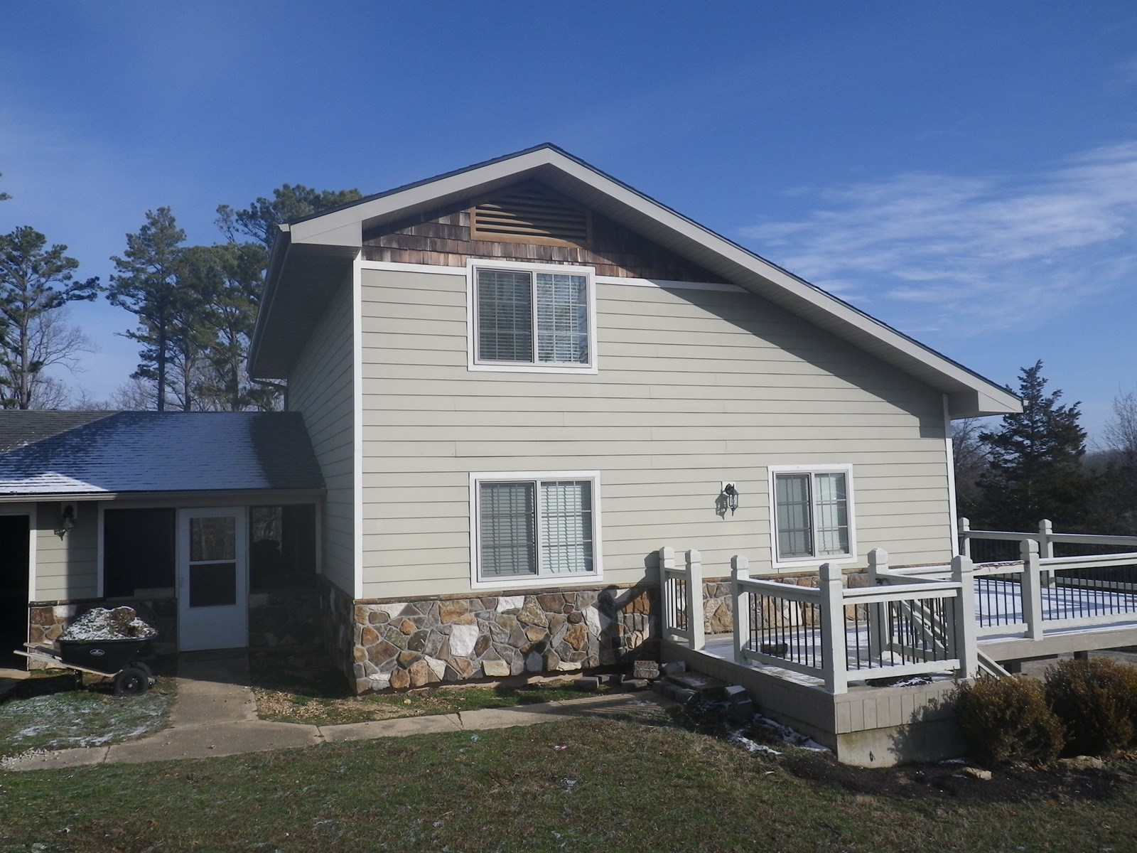 Country Home with Acreage in South Central Missouri Ozarks