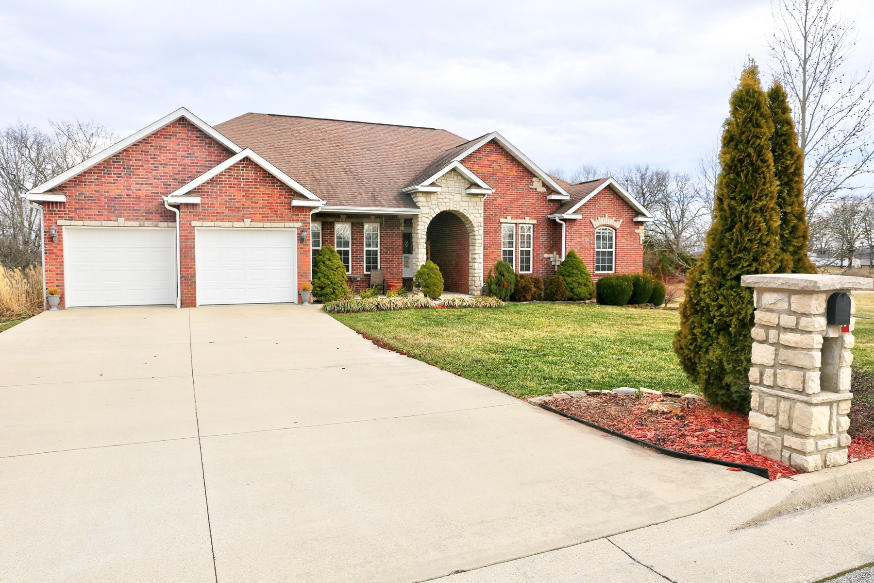 Custom Built Home in Millwood Subdivision of West Plains MO
