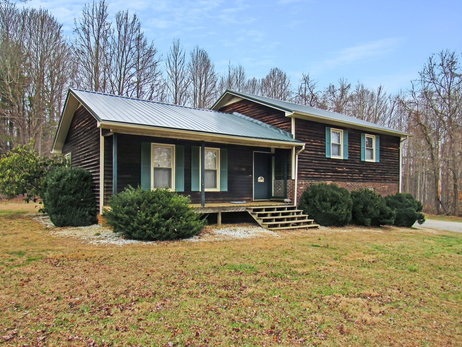 Country Home for Sale in Willis VA