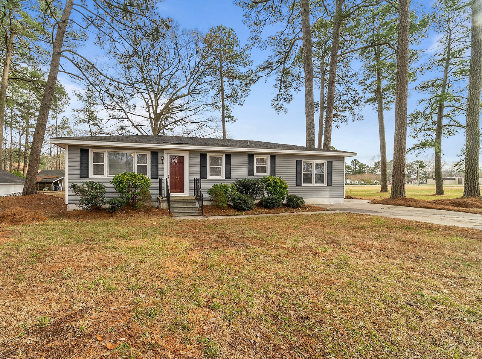 3 Bedroom Single Family Home on 1/2 acre in Elizabeth City