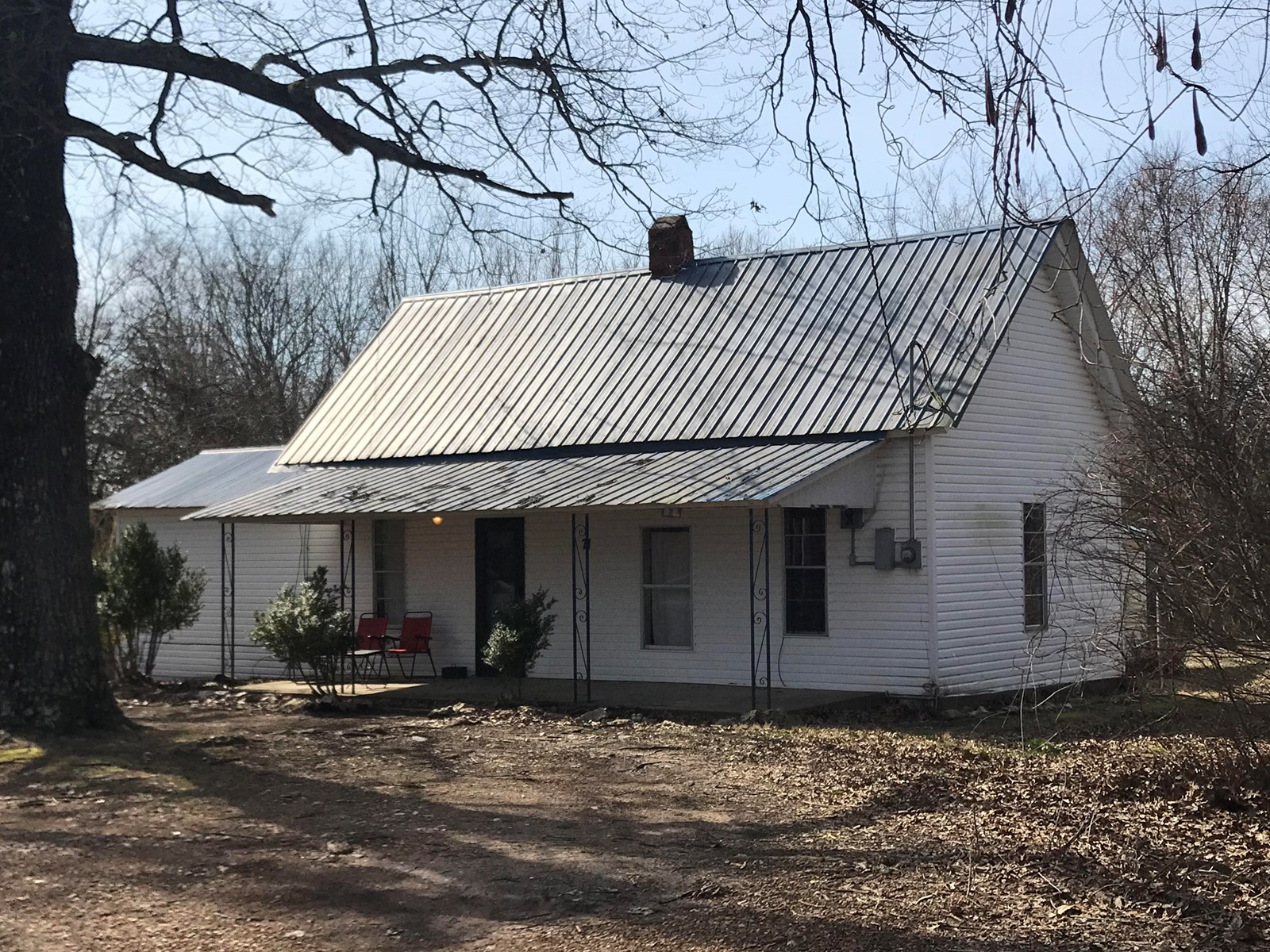 Older home with acreage in Ash Flat for sale
