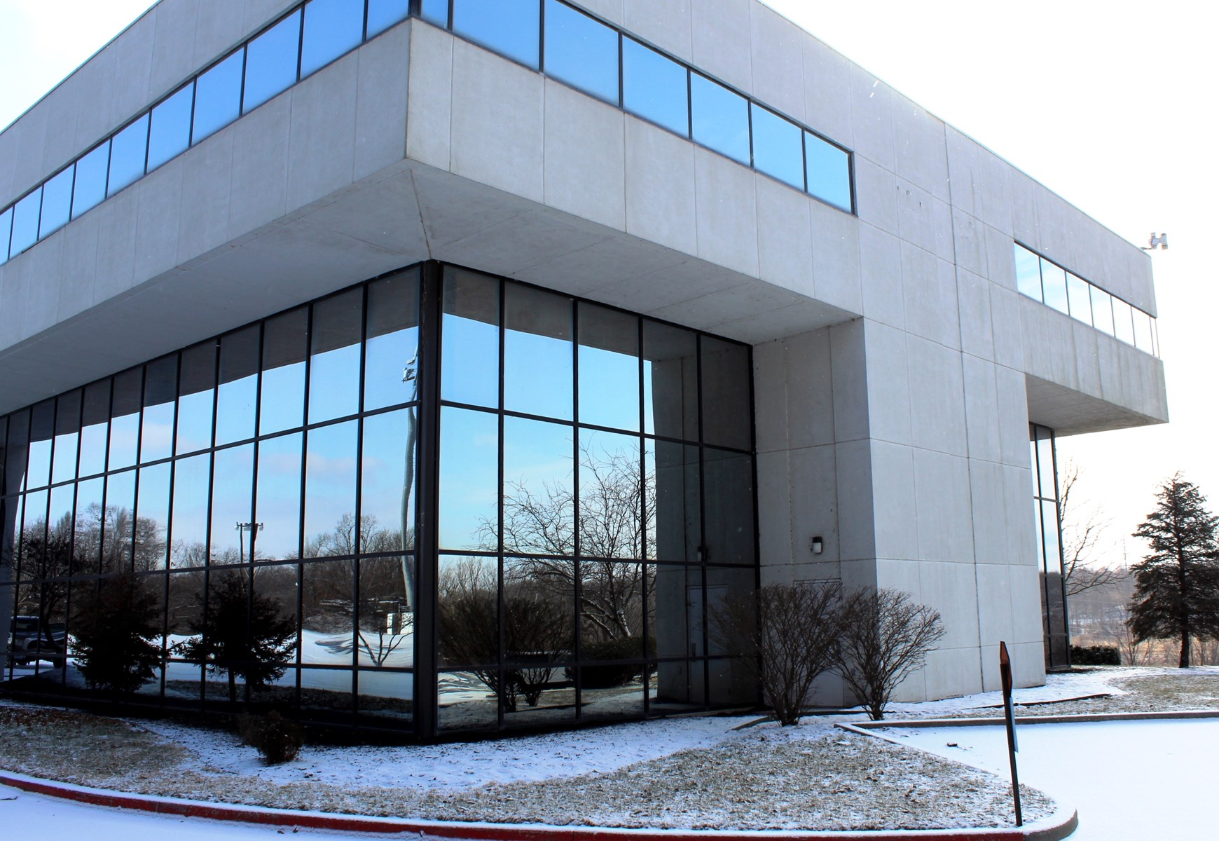 Kansas City Metro Commercial Auction Former Sprint Building